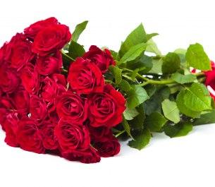 Букет «Романтик» из 7 алых роз